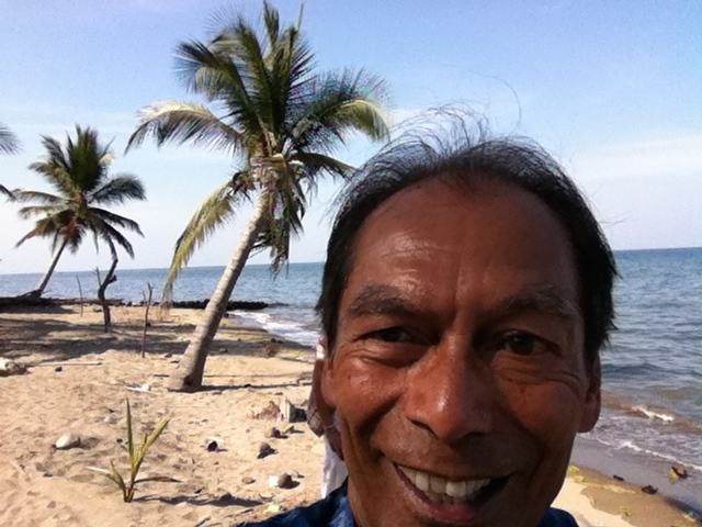 selfie strand Sulawesi
